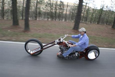 Hubless monster motorcycle