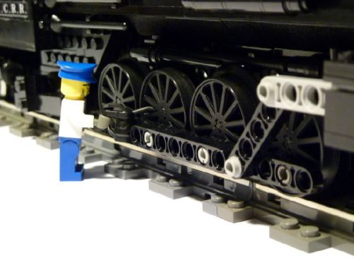 Illinois-Central-4-8-2-Made-by-Lego-03
