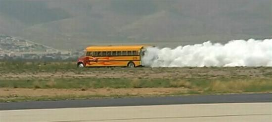 Jet-Powered-School-Bus-Go-Up-To-367-MPH-04