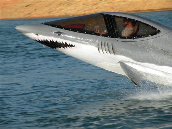 Seabreacher-X-Personal-Shark-Shaped-Watercraft-03