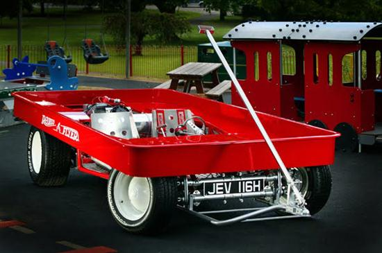 Huge-Red-Wagon-02