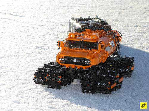 LEGO Snow Vehicle - Stilzkin Indrik-02