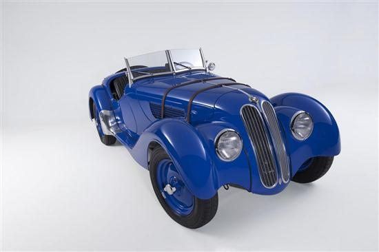 75 Years Old BMW 328 - 03
