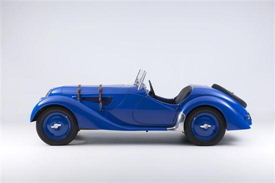75 Years Old BMW 328 - 07