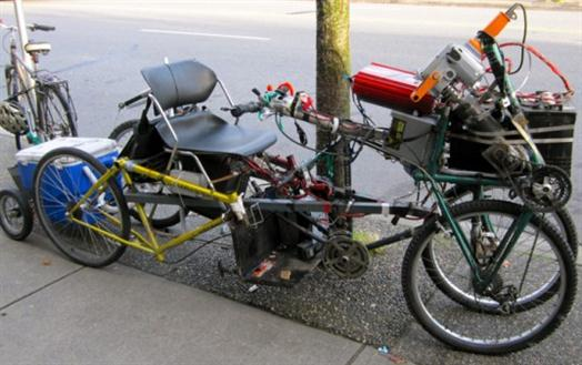 DIY 4 Wheel Bike http://www.cars-show.org/other/diy-bike-powered-by-electric-drill-and-car-batteries.html