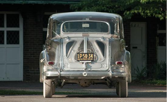 Transparent '39 Pontiac - 05