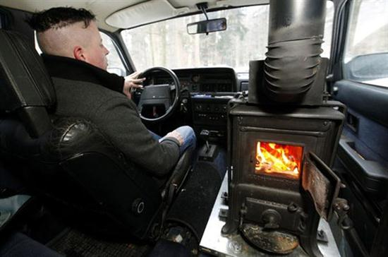 Wood-Burning Stove as Car Heater System - 01