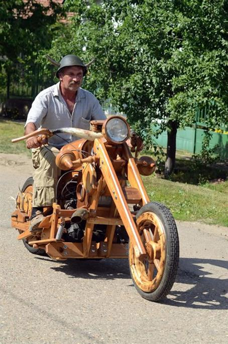 Working Wooden Motorcycle - 01