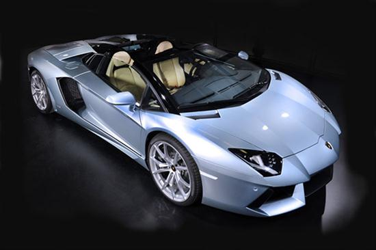 Aventador LP 700-4 Roadster With Removable Top - 01