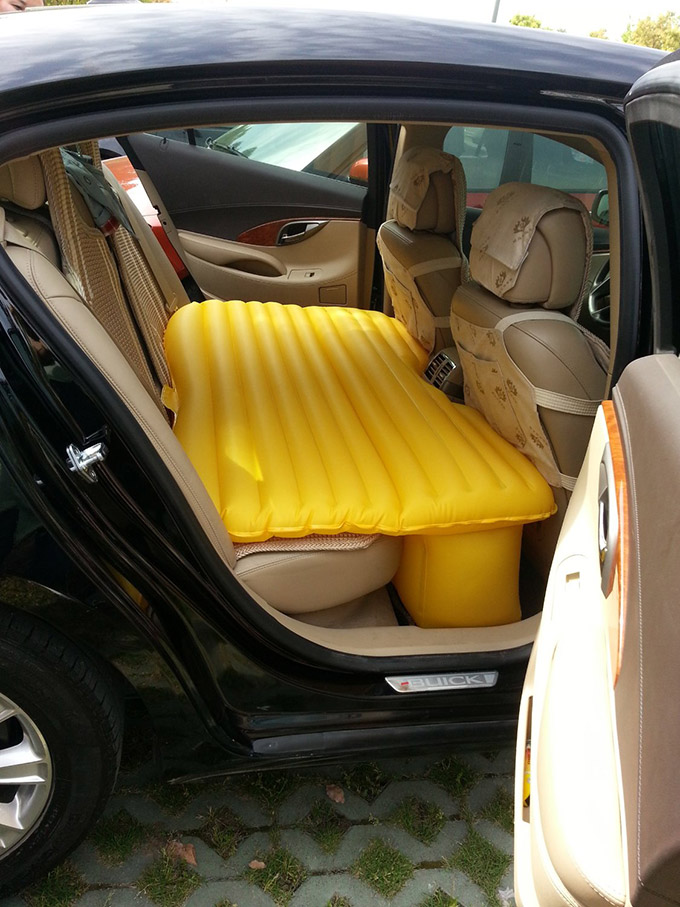 Car Travel Inflatable Soft Mattress 02
