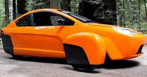 Elio P5 fifth Prototype Model With Three Wheels