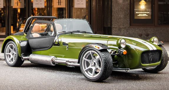 caterham-seven-harrods-two-seater-special-edition-01