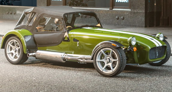 caterham-seven-harrods-two-seater-special-edition-02